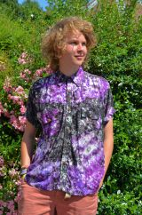 Bright coloured short sleeved tie dyed shirt black/purple