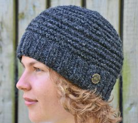 Half fleece lined pure wool reverse ridge beanie Charcoal
